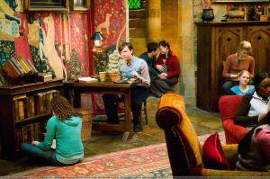 Salle commune de Gryffondor dans Harry Potter